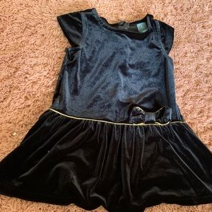 2T black velvet GAP dress